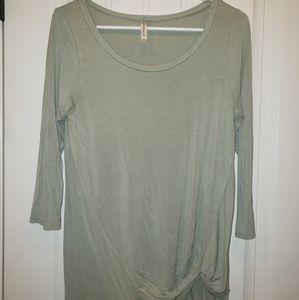 Emerald brand 3/4 sleeve cotton top